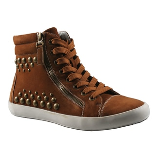 Refresh by Beston Women's 'Melba' Camel High Top Studded Sneakers