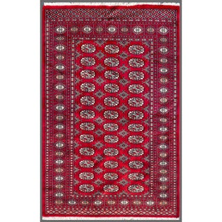 Pakistani Hand-knotted Bokhara Red/ Ivory Wool Rug (4' x 6'1)