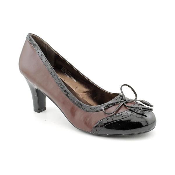 Andiamo Women's 'Hallie' Synthetic Dress Shoes - Wide (Size 8.5)