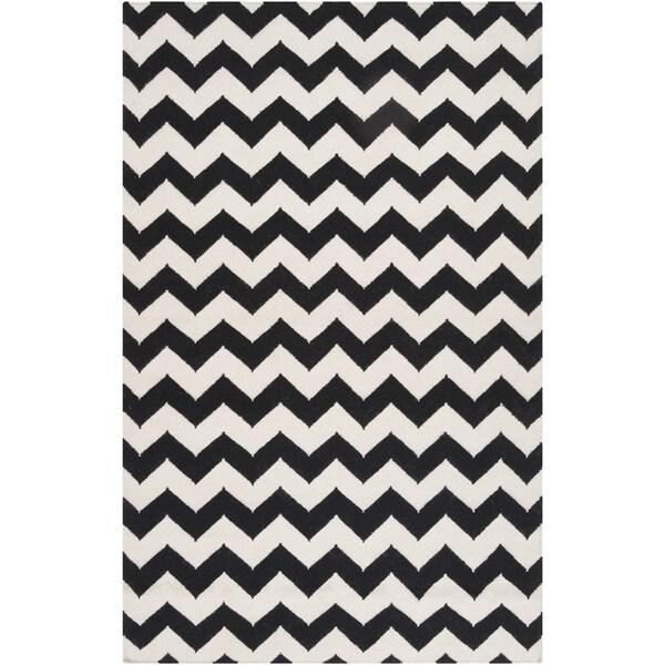 Handwoven Midnight Chevron Jet Black Wool Rug (8' x 11')