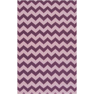 Handwoven Berry Chevron Berry Wool Rug (2' x 3')
