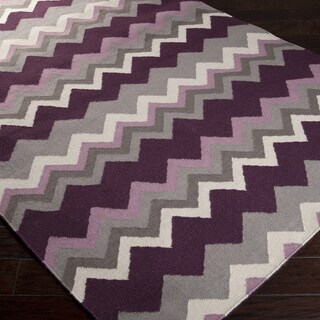 Handwoven Wine Chevron Prune Purple Wool Rug (5' x 8')
