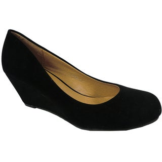 Betani by Beston Women's 'Iris' Black Wedge-Heel Pumps