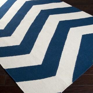 Handwoven NavyChevron Dark Blue Wool Rug (5' x 8')