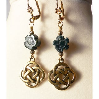 'Ciara' Celtic Knot Dangle Earrings