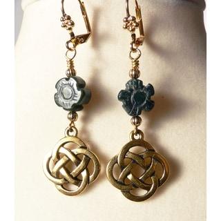 'Ciara' Celtic Knot Dangle Earrings