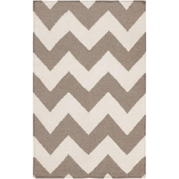 Handwoven DesertChevron Taupe Wool Rug (5' x 8')