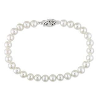 Miadora Sterling Silver White Freshwater Pearl Bracelet (5-6 mm)