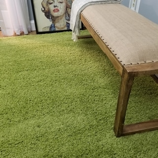 Shag Solid Green One Color Area Rug (6'7 x 9'3)