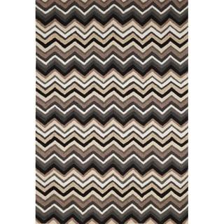 Chevron Outdoor Rug (5' x 7'6)