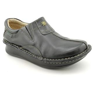 Eastland Women's 'Roll Call' Leather Casual Shoes - Wide