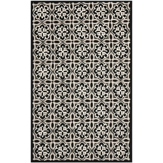 Safavieh Four Seasons Stain-Resistant Hand-Hooked Floral Black Rug (8' x 10')