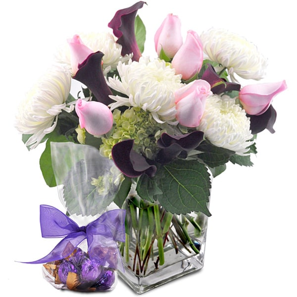 (Valentine's Day Pre-Order) Simply Elegant Flower Bouquet with Godiva Truffles and Vase