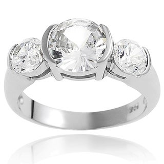 Journee Collection Sterling Silver Clear Round-cut Cubic Zirconia Engagement-style Ring