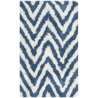 Hand-made Chevron Ivory/ Blue Shag Rug (8'9 x 12')