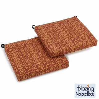 Blazing Needles Print 19-inch square Spun Poly Outdoor Cushions (Set of 2)