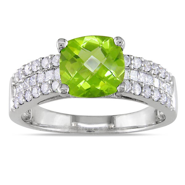 Miadora Signature Collection 14k Gold Peridot and 3/4ct TDW Diamond Engagement Ring (G-H, I1-I2)