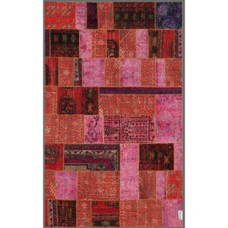 Pak Persian Hand-knotted Patchwork Multi-colored Wool Rug (4'10 x 7'10)