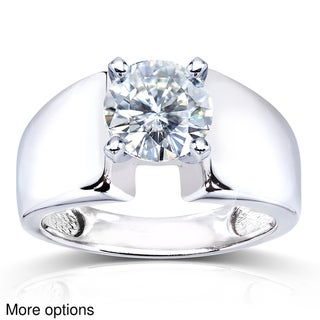 14k White Gold Prong-set Round Moissanite Solitaire Ring