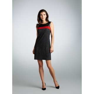 Muse Women's Black and Red Zig-zag Shift Dress