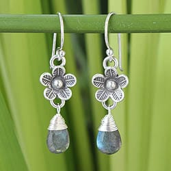 Sterling Silver 'Rainforest Poppy' Labradorite Earrings(Thailand)