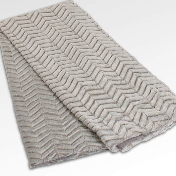 Grand Bazaar Harvard Plush Faux Fur Throw