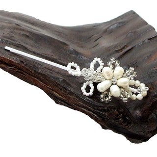 Charming Floral Freshwater Pearl Hair Clip (Thailand)