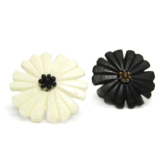 Handmade Nouveau Flower Bone Ring (India)