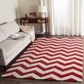 Safavieh Handmade Moroccan Chatham Chevron Red Wool Rug (5' x 8')