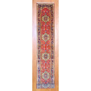 Indo Hand-knotted Heriz Red/ Navy Wool Rug (2'6 x 20')