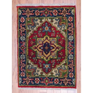Indo Hand-knotted Heriz Red/ Navy Wool Rug (2' x 3')