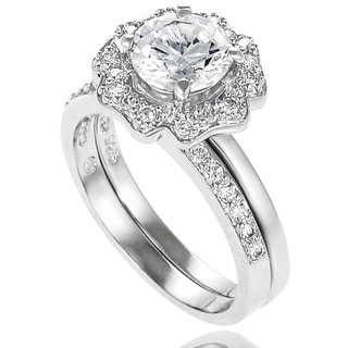Journee Collection Elegant Sterling Silver Cubic Zirconia Bridal-style Ring