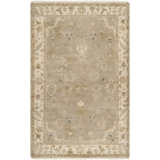 Hand-crafted Mankato Traditional Oriental Beige Wool Rug (5'6 x 8'6)