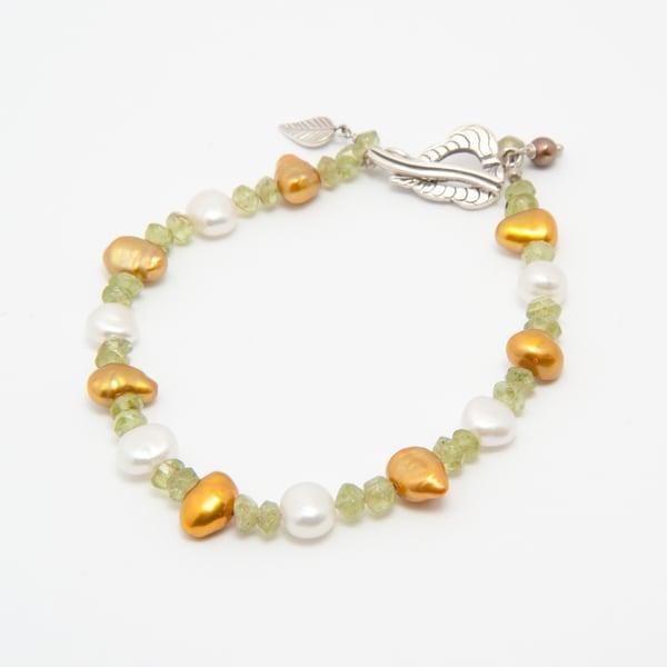 Lush Pearl Bracelet (Nepal)