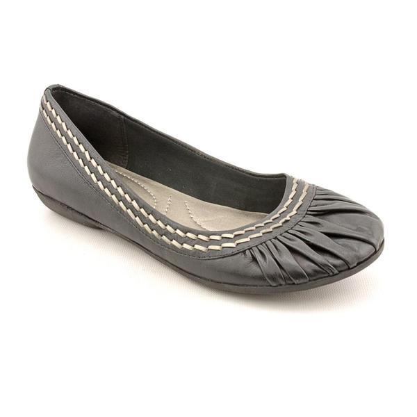 Baretraps Women's 'Billie' Leather Dress Shoes