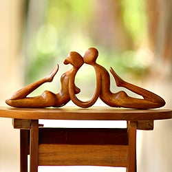 Handcrafted Suar Wood 'Beauty of a Kiss' Sculpture (Indonesia)