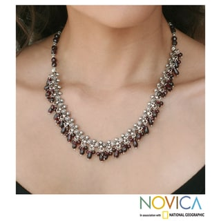 Sterling Silver 'Mughal Regent' Garnet Necklace (India)