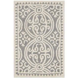 "Safavieh Handmade Cambridge Moroccan Casual Silver Wool Rug (2'6"" x 4')"