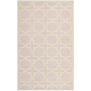 Safavieh Handmade Moroccan Cambridge Light Pink Wool Rug (5' x 8')