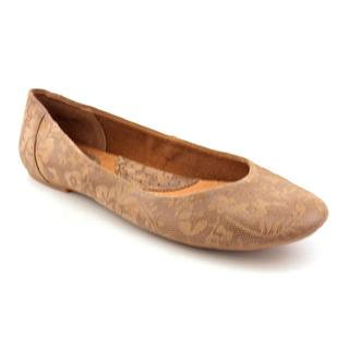 Born Concept Women's 'Courtney' Leather Casual Shoes