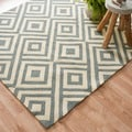 Handmade Indoor/ Outdoor Capri Slate Rug (7&#39;6 x 9&#39;6)