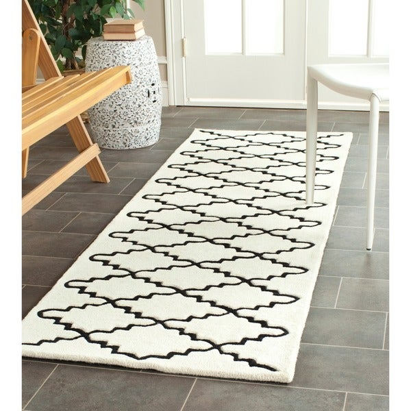 Safavieh Handmade Moroccan Ivory Wool Rug With Canvas Backing (2'3 x 7')