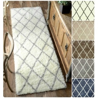 nuLOOM Soft and Plush Moroccan Trellis Shag Runner Rug (2'8 x 8')