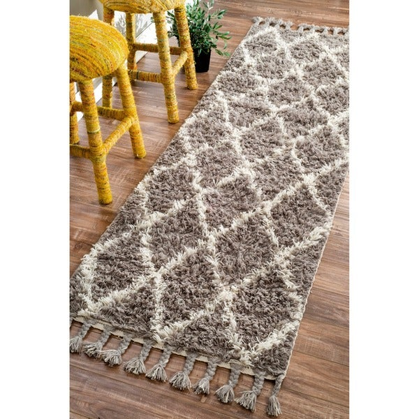 nuLOOM Hand-knotted Moroccan Trellis Natural Shag Wool Runner (2'8 x 10')