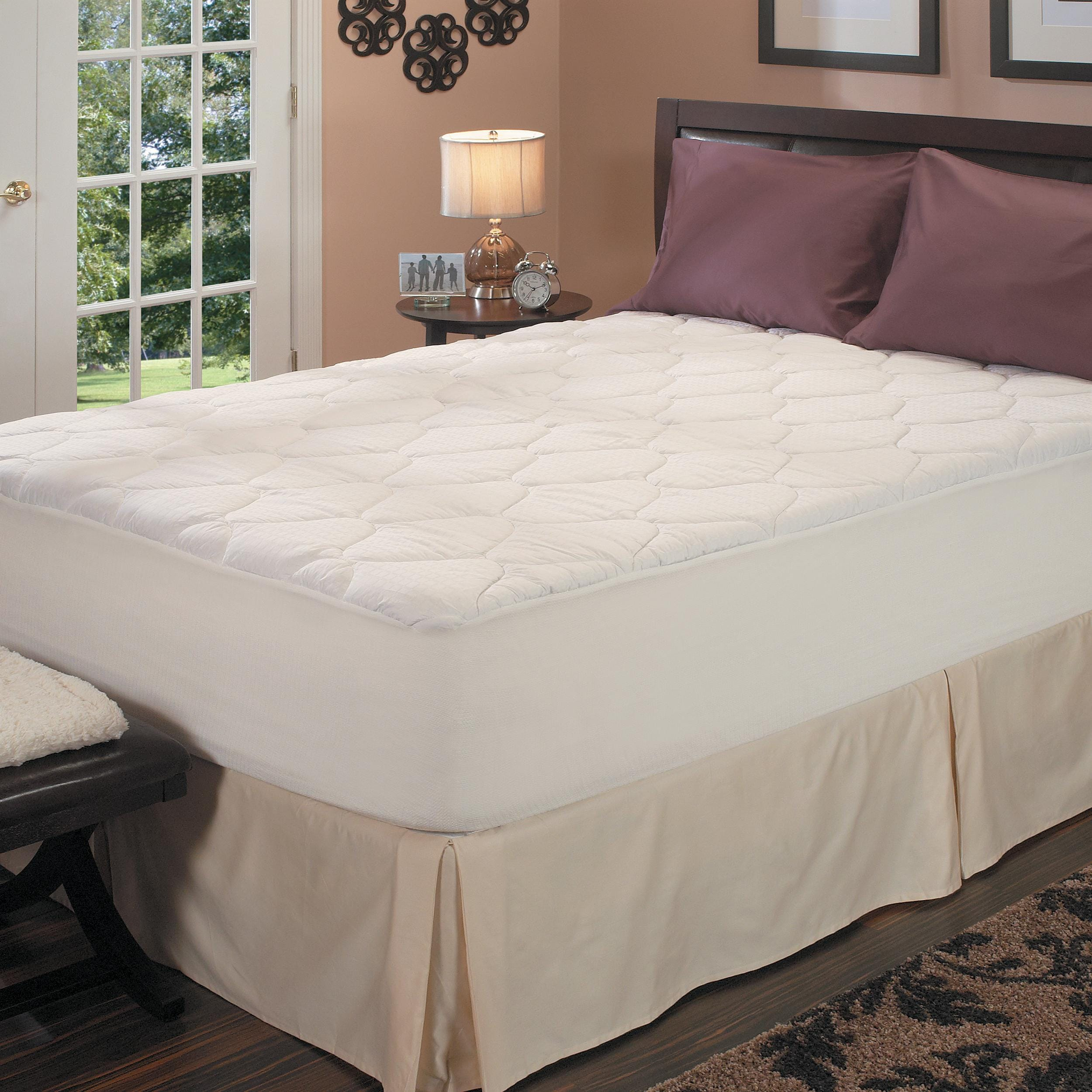 Famous Maker Stain Resistant 305 Thread Count Twin/ Full-size Plush Mattress Pad