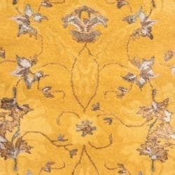 Safavieh Handmade Majestic Gold N.Z. Wool and Viscose Rug (2'6 x 8')