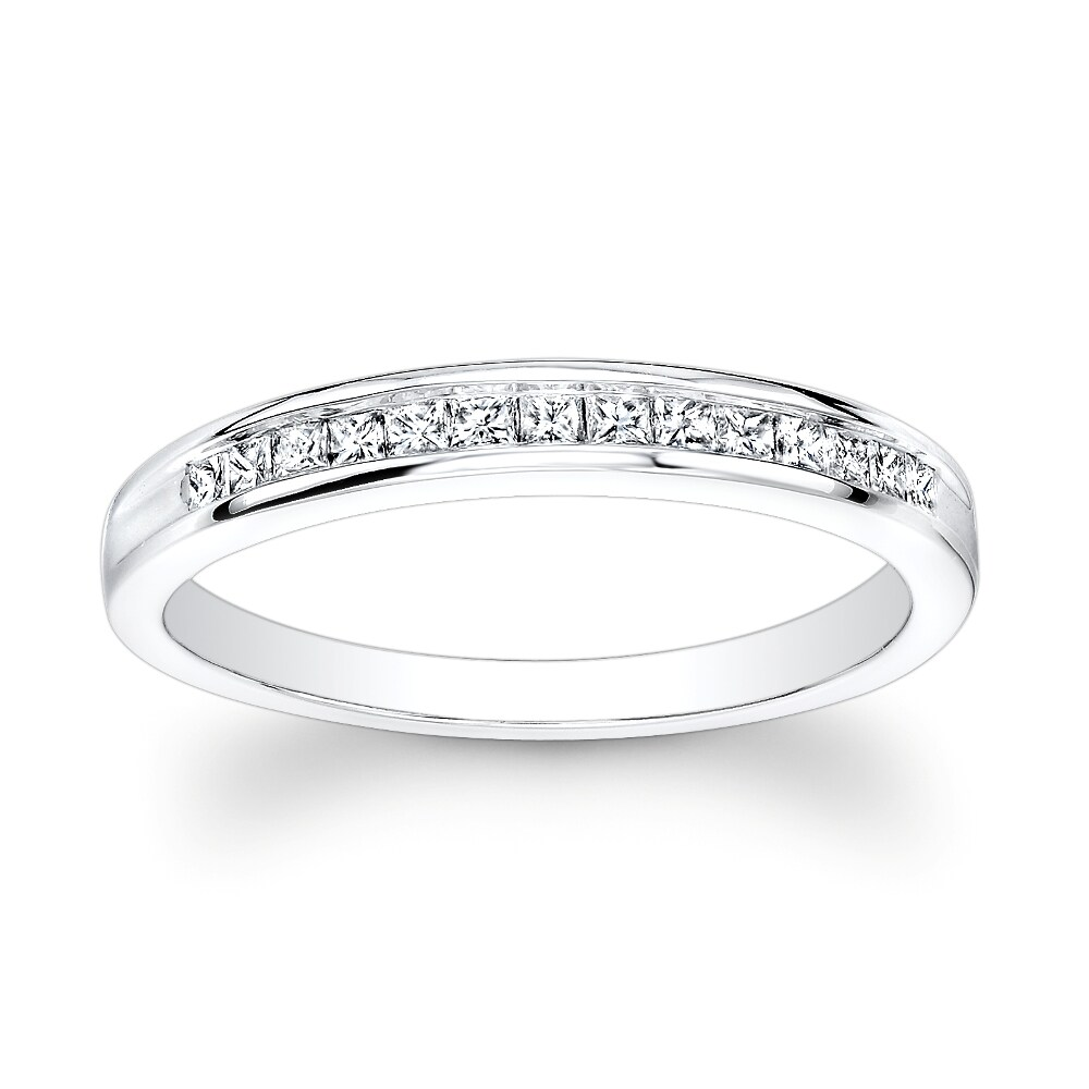 14k White Gold 1/6ct TDW Channel-set Princess Diamond Band (H-I, I1)