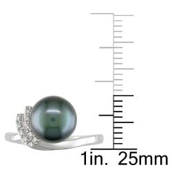 Miadora 14k White Gold Tahitian Pearl and 1/10ct TDW Diamond Ring (8-8.5 mm)(G-H, I1-I2)