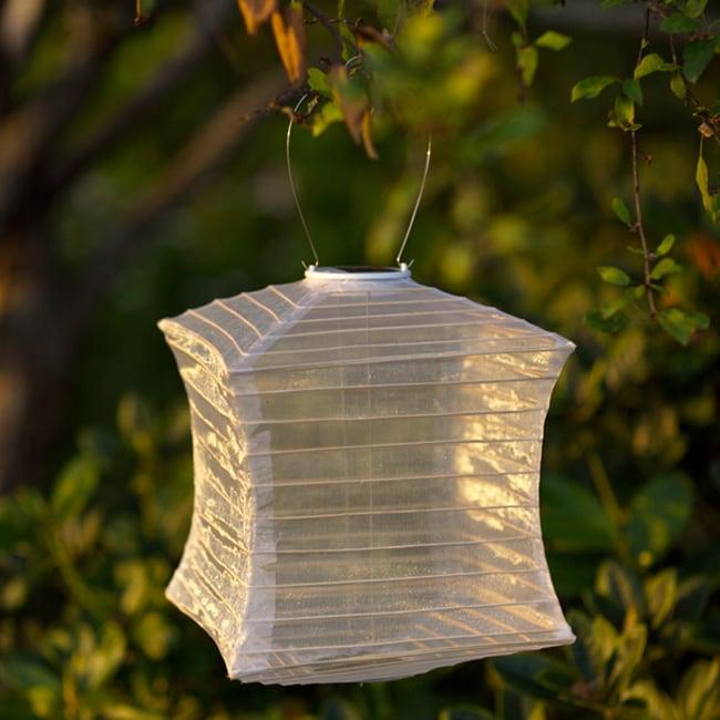Pearl Pagoda Solar Lantern