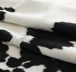 nuLOOM Hand-picked Brazilian Black / White Cowhide Rug (5' x 7')